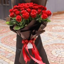 37 Extra-Large Roses