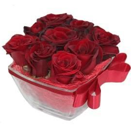9 Красных Роз в Вазе