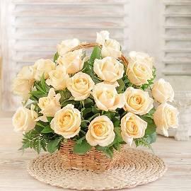Корзина из Роз Телесного Цвета