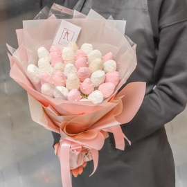 Chocolate Dipped Strawberries Bouquet