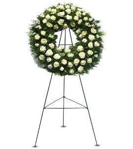 120 White Roses Wreath