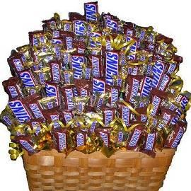 Huge Snickers Basket
