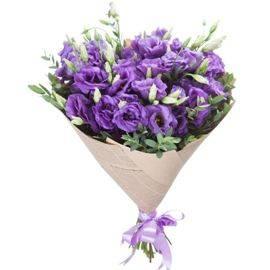 Пурпурный букет лизиантусов
