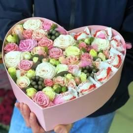 Набор с сладостями и цветами
